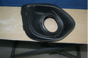 Рамка противотуманной фары правой Mitsubishi ASX
