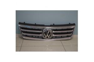 Решетка радиатора Volkswagen Touareg