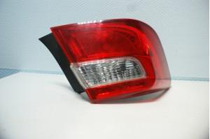 Фонарь задний внешний левый Toyota Camry V50