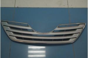Решетка радиатора Toyota Camry V40