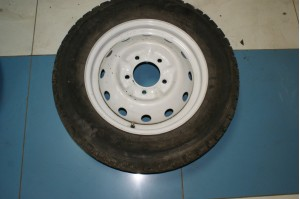 Диск колеса 5Jx16H2 ET58 с резиной Seven Hills 215/65/16